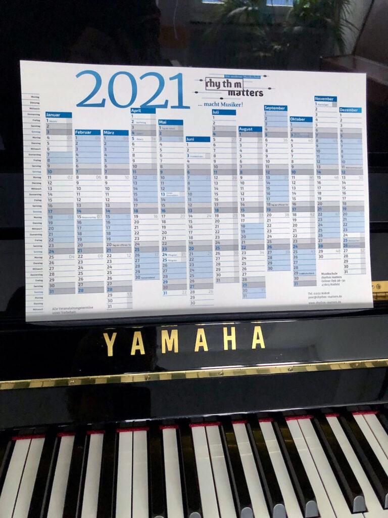 Foto des Jahresplaners 2021 der Musikschule rhythm matters