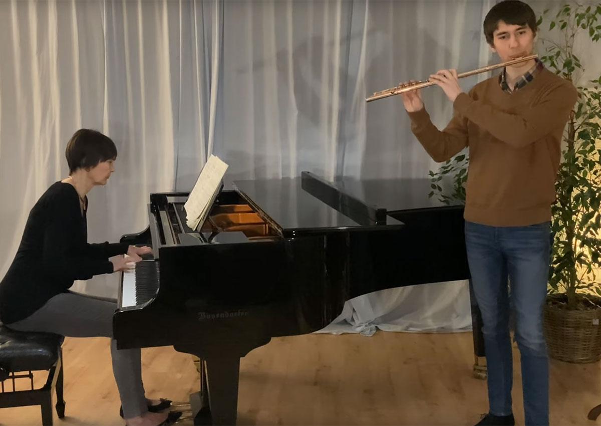 """Erster Preis für Querflöten-Schüler Fridtjof Hecken beim Landeswettbewerb """"Jugend musiziert"""" 2021"""